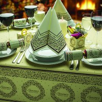 Seasons Greetings Tablesetting