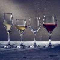 Rlla Fully Temperd Wine Glasses with drinks