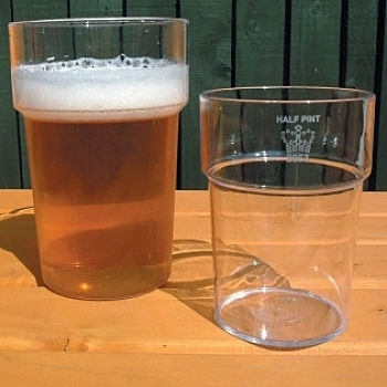 Rigid Reusable Plastic Beer Glass with Beer