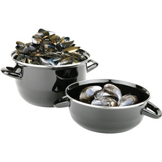 Mussel Pot & Lid in Black with mussels